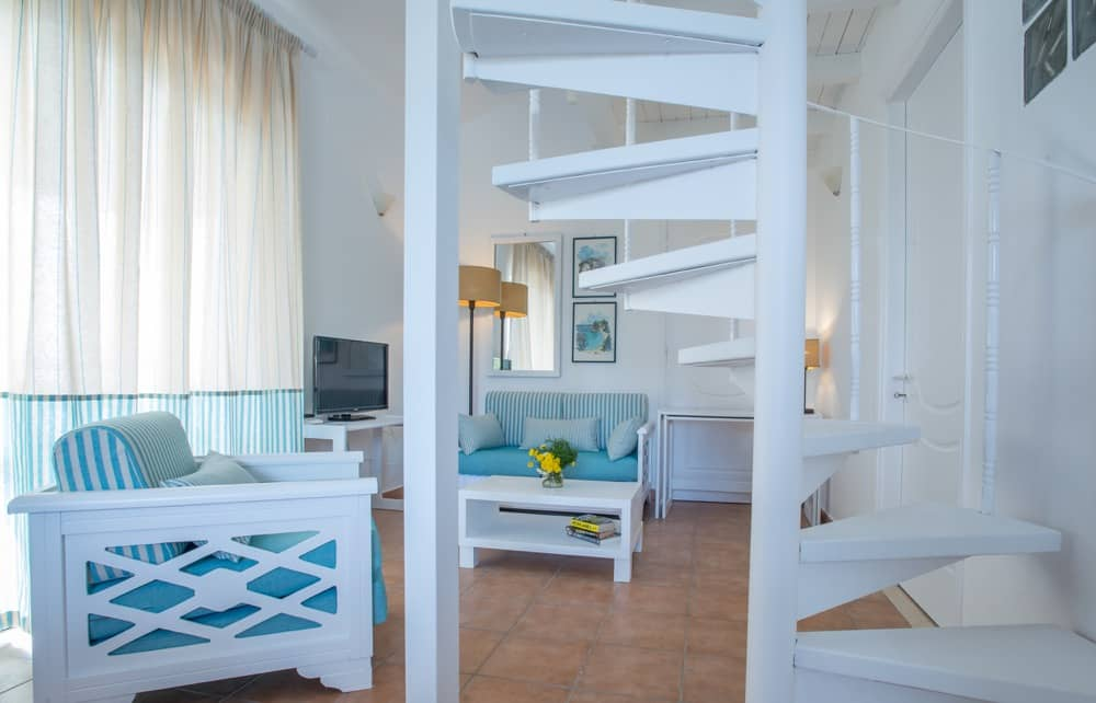 DELUXE 2 BEDROOM RESIDENCE WITH SEA VIEW