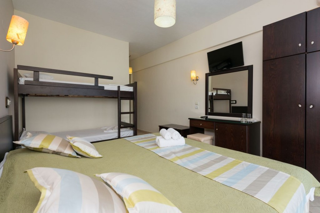 SUPERIOR ROOM WITH BUNK BED SIDE SEA VIEW